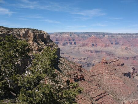 A panarama of the famous Grand Canyon. South Rim, on a beautiful day in April. Imagens