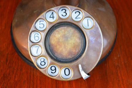 telefono antico: Primo numero dettaglio telefono antico. Archivio Fotografico