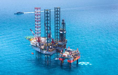 gas plant: Offshore oil rig drilling gas platform