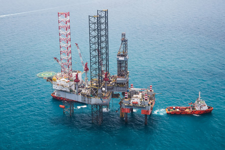 oil industry: Offshore oil rig drilling platform Stock Photo
