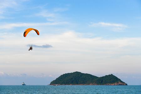 The para motor over sea and island