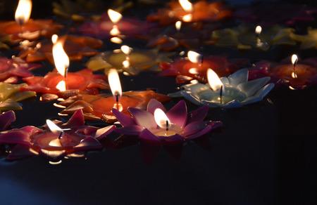 luz de velas: hermosa luz de las velas