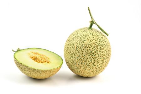 Cantaloupe meloen op een witte achtergrond