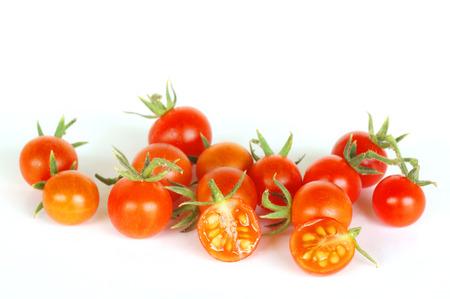 Tomaten isoliert auf weißem Hintergrund Standard-Bild - 74420339