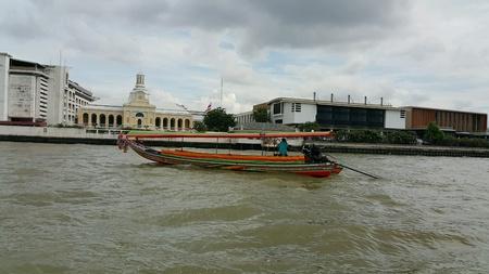 longtail: Longtail boat in chaopraya river