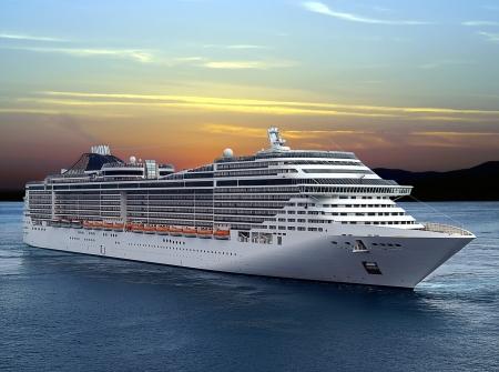 Luxus-Kreuzfahrtschiff von Port am Sonnenuntergang segeln.  Standard-Bild
