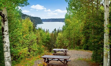Picnic area in Saguenay Fjord National park with view of the river Saguenay, Quebec, Canada. 版權商用圖片