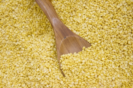 hulled: Split and hulled mung beans