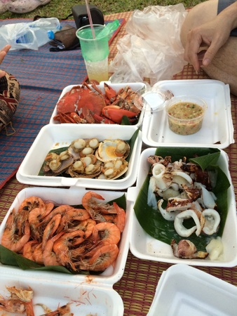 Picnic seafood with crabshrimpscallop shellsquidThai spicy dip Stock Photo