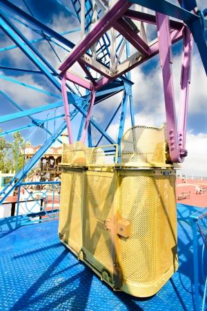 ferriswheel: Cabina di osservazione panoramica a Barcellona Spagna