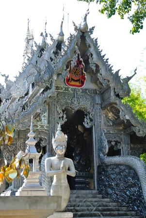 going places: Temple (Wat Thailand)