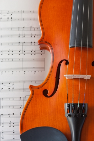 violins: violin and note