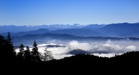 shangrila: Himalayan mountain range over cloud in Shangri-La, China