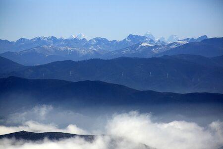 shangrila: Beautiful Himalayan mountain range in Shangri-La, China Stock Photo