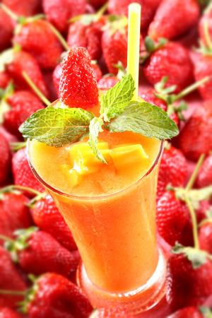 fresa: Fresa de mango con batido de menta