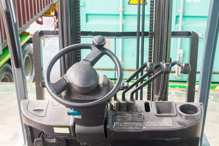 The steering wheel and lever hydraulic system of forklifts Banco de Imagens