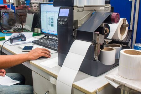 Impresora de código de barras y etiqueta de código de barras con cinta