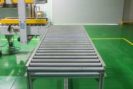 roller conveyor, Production line conveyor roller transportation objects.