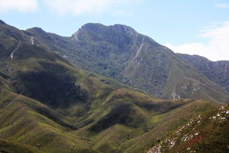 Beautiful mountain peak in the Cape Province on a clear sunny day Imagens