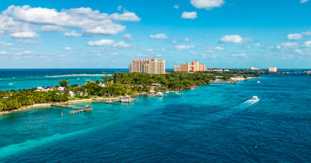 Panoramic landscape view of a narrow Island and beach at the cruise port of Nassau in the Bahamas. Фото со стока - 152020588