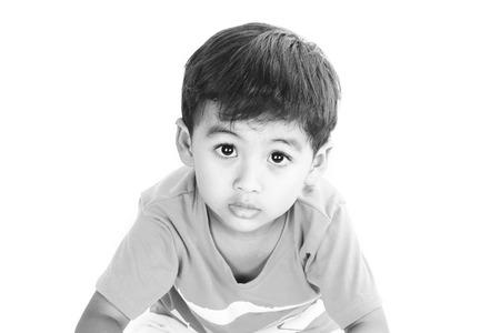 occhi tristi: occhi tristi di un bambino