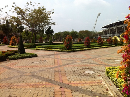 curare teneramente: Bella vista del bellissimo giardino all'interno del campus
