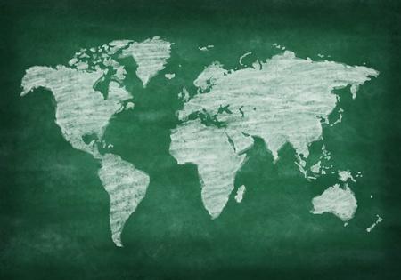 dessin craie: carte du monde sur le tableau, dessin � la craie