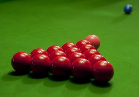 soltería: bola de billar sobre la mesa