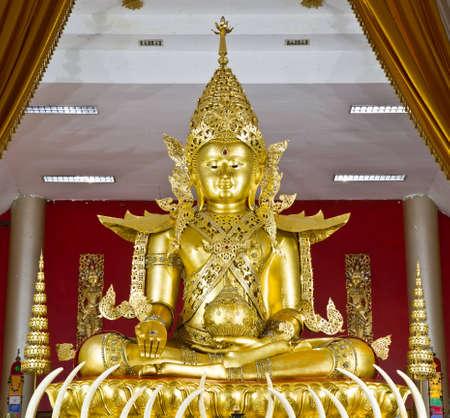 Cette image de Bouddha dans le temple Thai Banque d'images - 12655992