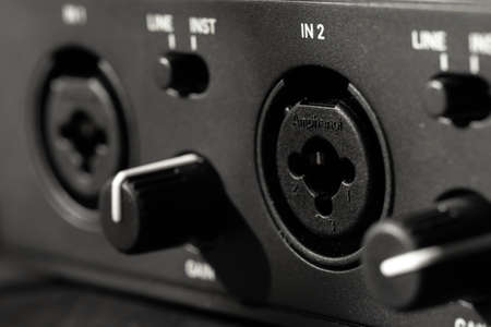 JACK input with microphone volume controls
