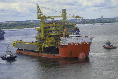 subsea: Big ship carrying oil & gas offshore platform structure
