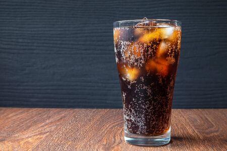 Bebidas de cola y refrescos negros Foto de archivo