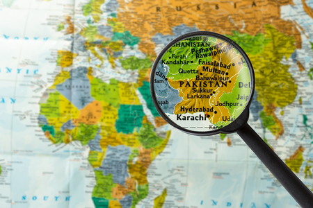Map of Pakistan through magnifying glass Stok Fotoğraf - 57265830