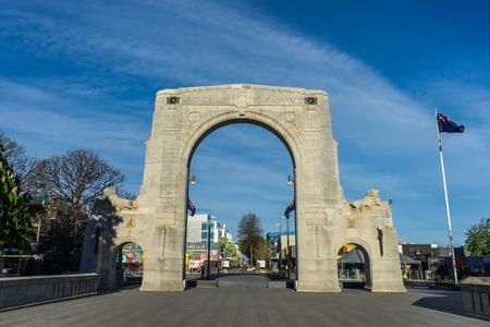 Christchurch, Nova Zelândia - 19 de outubro de 2016: A ponte da relembrança é os memoriais de guerra em Christchurch, Nova Zelândia. É dedicado àqueles que morreram na Primeira Guerra Mundial. Foto de archivo - 68686396