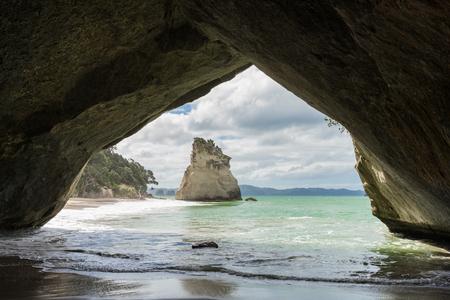 Cathedral Cove, Coromandel Halbinsel, Nordinsel, Neuseeland Standard-Bild - 70014565