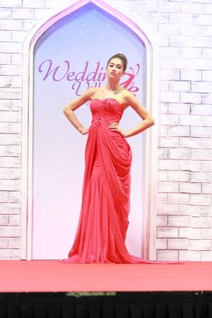 Avondjurken Modellen.Wedding Village 6 December 8 December 2013 Is Singapores Grootste