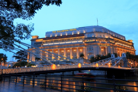neo classical: The Fullerton Hotel Singapore is a five-star luxury hotel located near the mouth of the Singapore River, in the Downtown Core of Central Area, Singapore  It was originally known as The Fullerton Building, and also as the General Post Office Building  1  2