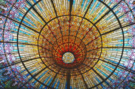 パラウ ・ デ ・ ラ ・ ムジカのカタルーニャ音楽堂とサン ・ パウ病院、バルセロナ