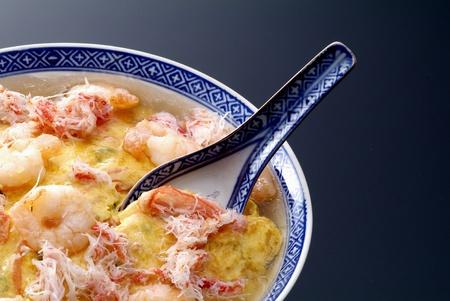 中華料理、中国オムレツ含むカニ、エビ