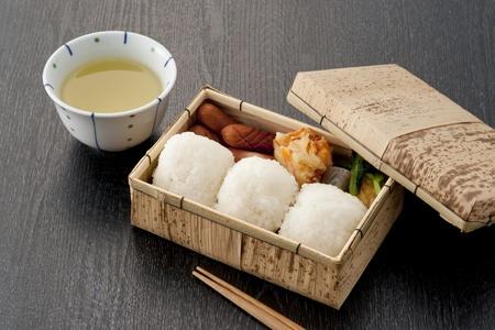 竹日本弁当箱と箸 写真素材