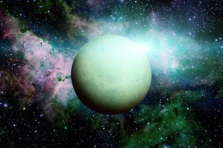 Sistema Solar - Urano. Es el séptimo planeta desde el Sol y el tercero más grande del Sistema Solar. Es un planeta gigante. Urano tiene 27 satélites conocidos. Foto de archivo