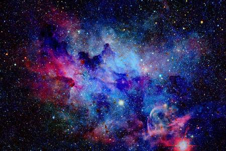 銀河と星雲。NASA から提供されたこのイメージの要素