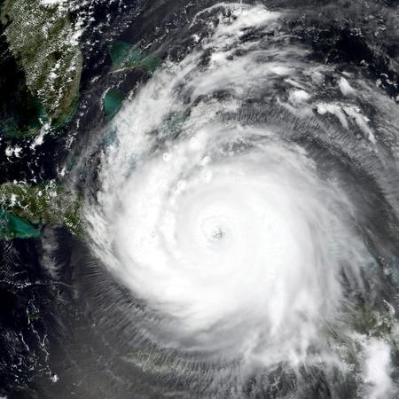 Tyfoon over planeet Aarde. Elementen van deze afbeelding ingericht door NASA.
