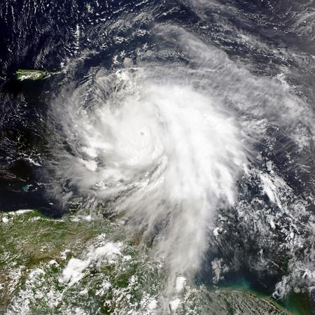 ハリケーン マリア。NASA から提供されたこのイメージの要素です。