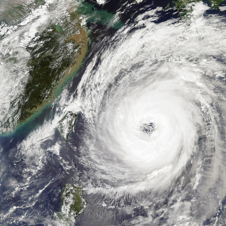 Typhoon Trami Takes Aim at Japan. Imagens - 114513164