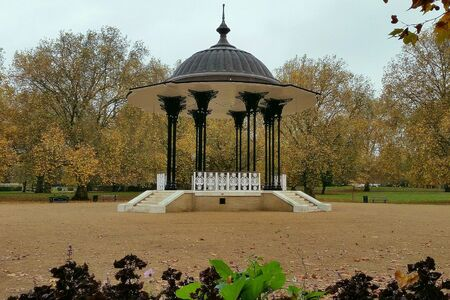 southwark: Bandstand in Southwark Park London Stock Photo