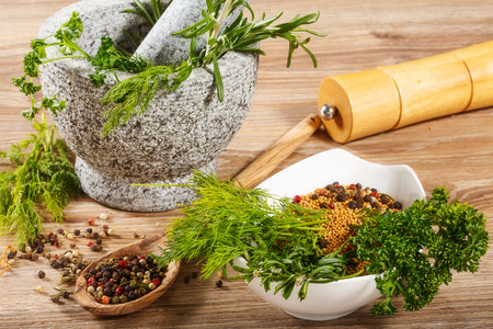 herboristeria: hierbas en mortero