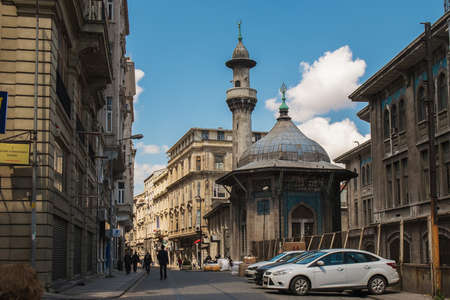 Istambul, Turkey, April, 21, 2016: Street of the Istanbul on a sunny day 新聞圖片