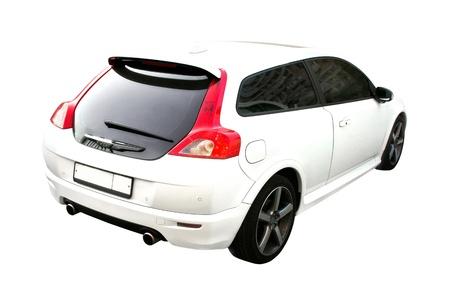 Witte sport auto geïsoleerd op een witte achtergrond met grote rode achtergrondverlichting