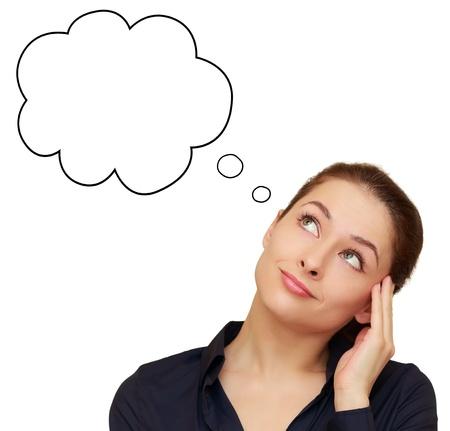 dudas: Pensando en la mujer de negocios mirando hacia arriba en forma de burbuja en blanco aislado en fondo blanco